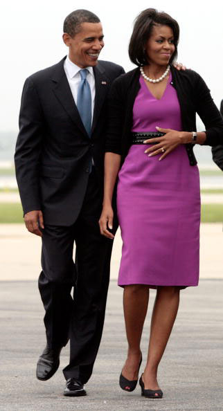Barack and Michelle Obama board a plane in Chicago to St. Paul, Minnesota on June 3, 2008 (Chip Somodevilla/Getty)